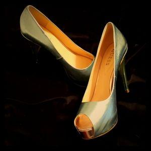 Guess stiletto heels size 8.5 metallic open toe